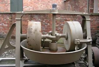 Erddig_Mortar_making_machine_-_geograph.org.uk_-_351058