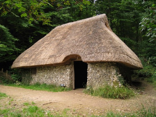 Mediaeval_Cottage_at_Weald_and_Downland_Museum,_Singleton,_West_Sussex_-_geograph.org.uk_-_943135